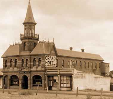 14-grand-hotel-1800s